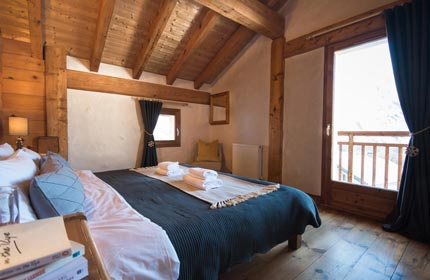 Chalet Alpage Luxury Bedroom 1
