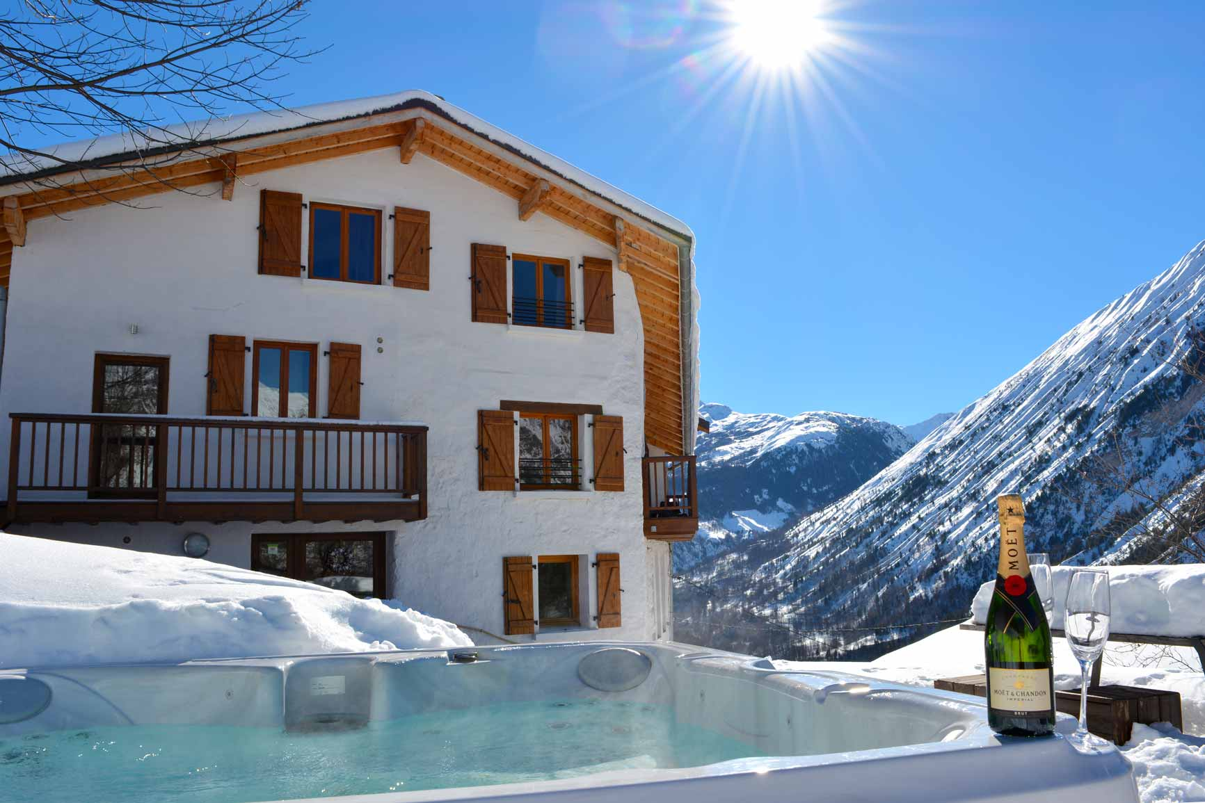 Chalet Broski - Our Luxury Catered Chalet