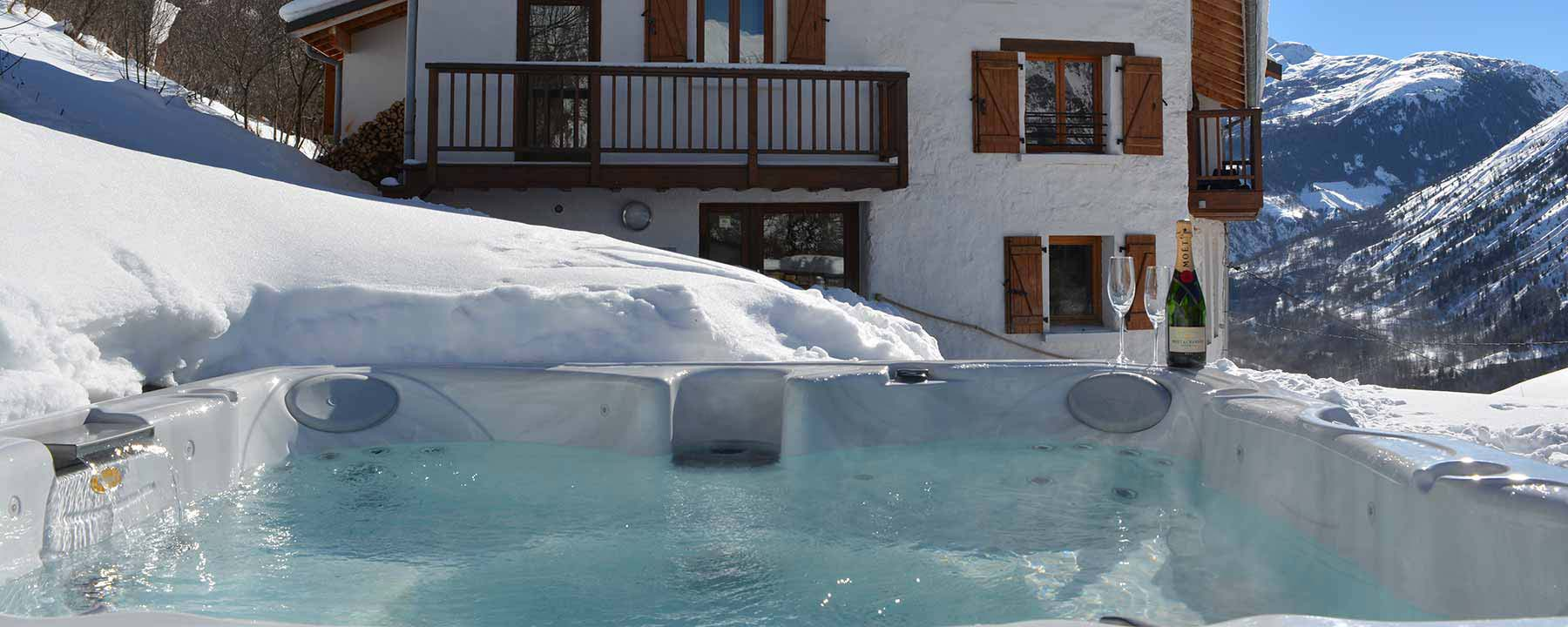 Chillout and relax in our outdoor Jacuzzi