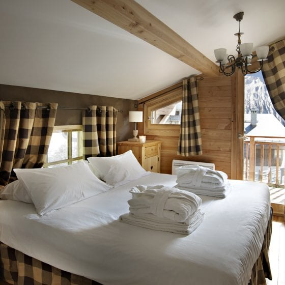 Beautifully furnished bedrooms - Self Catered Chalets Saint Martin de Belleville